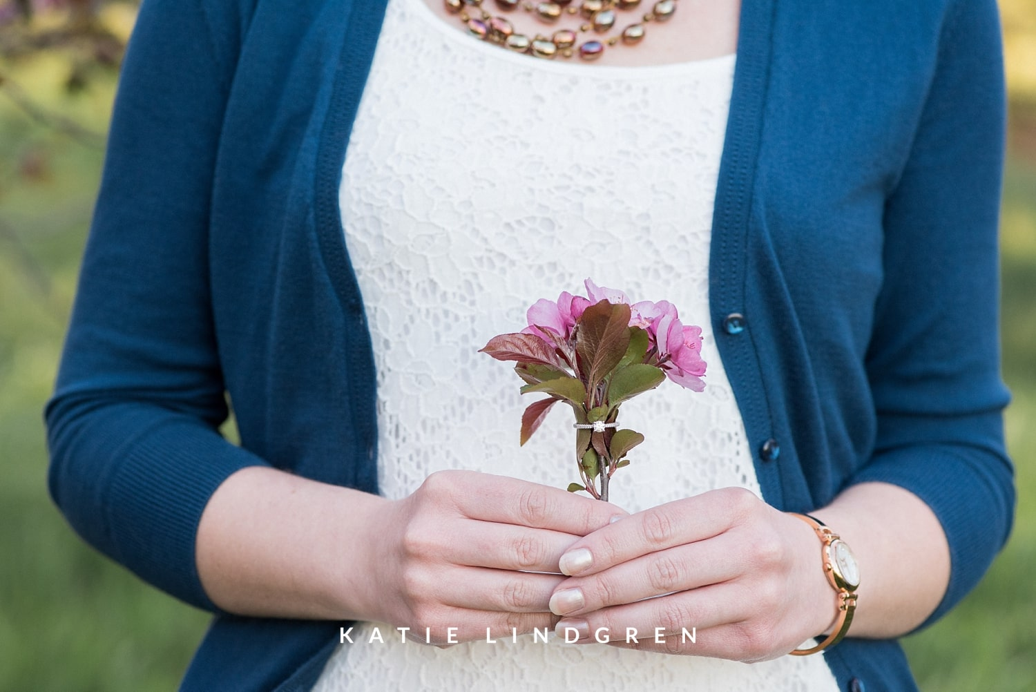 Des Moines Relaxed Natural Engagement Photography