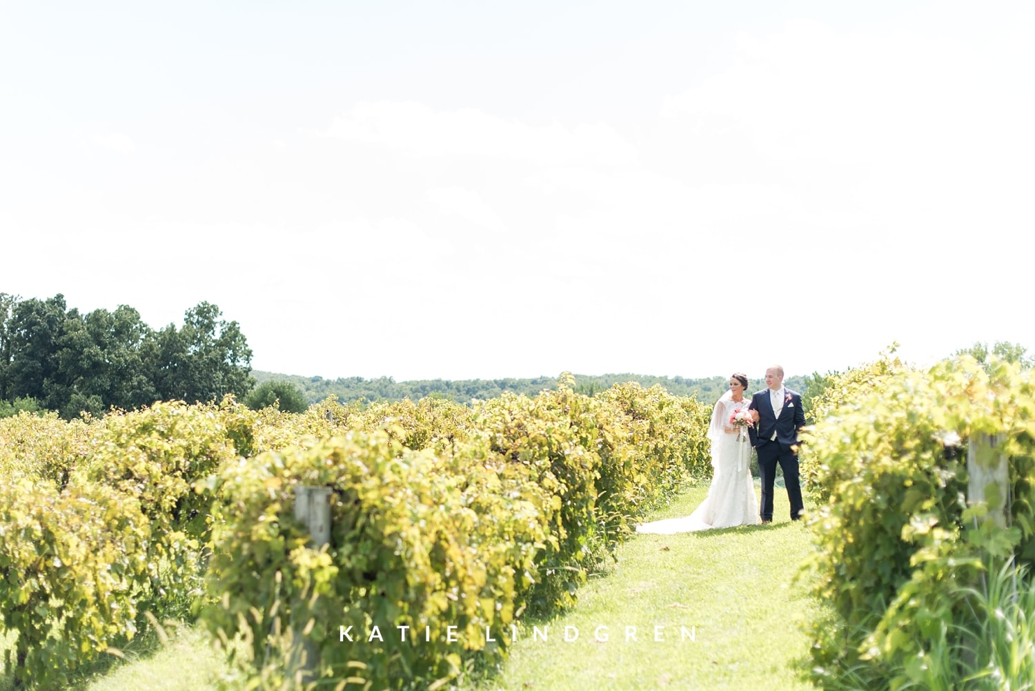 Cedar Ridge Winery Wedding