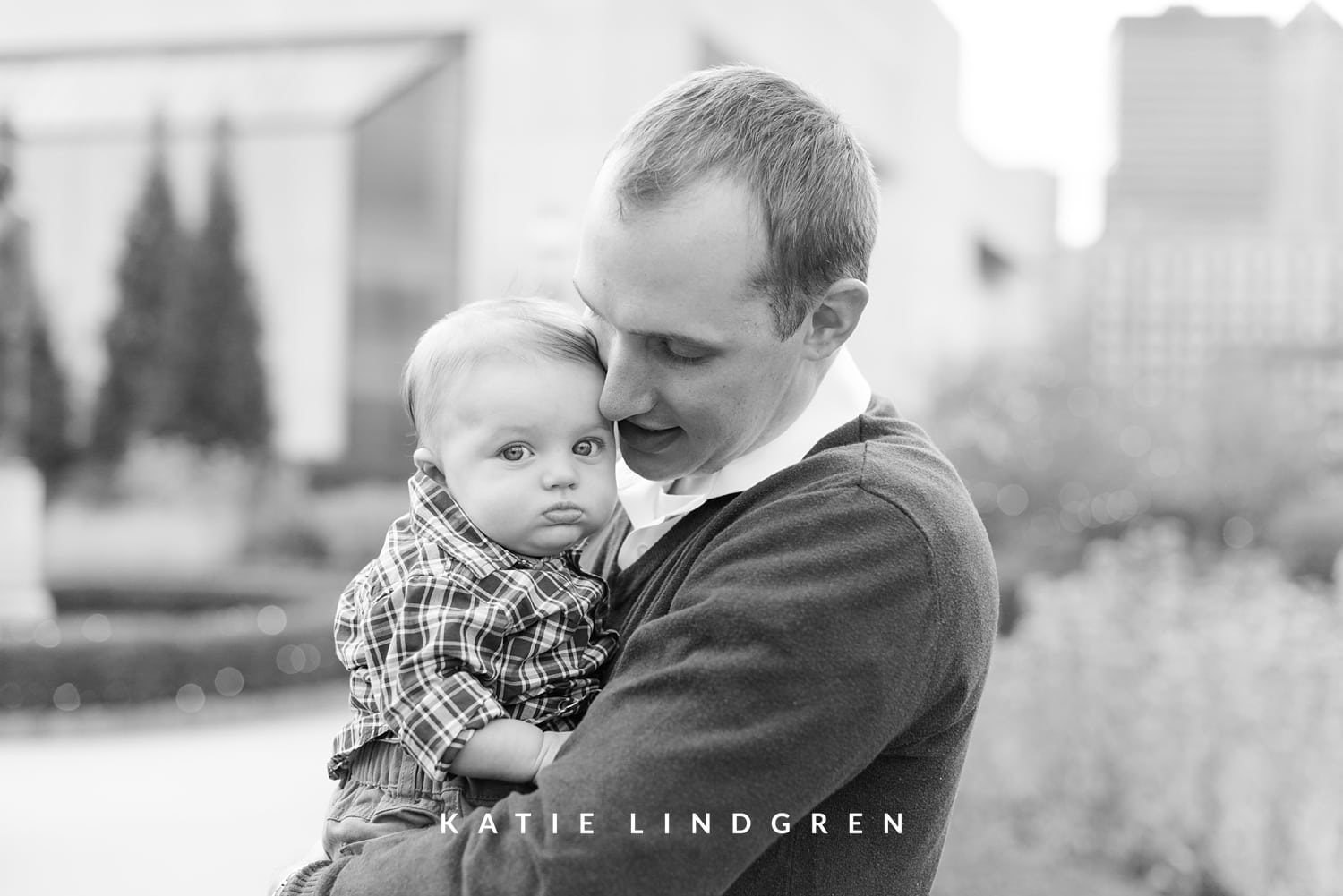 Des Moines Natural Light Family Photographer