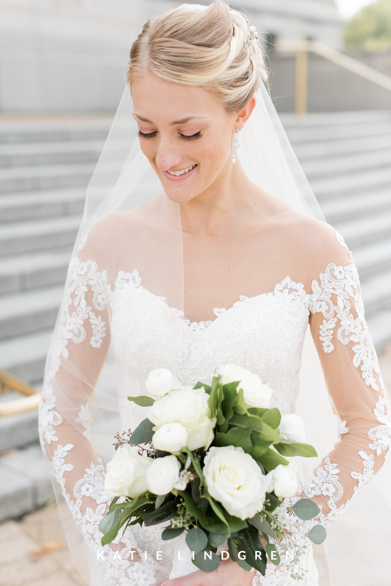 bailey & alex | downtown des moines wedding » des moines area